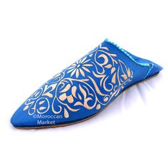 Babouche slippers from Morocco with a traditional accent