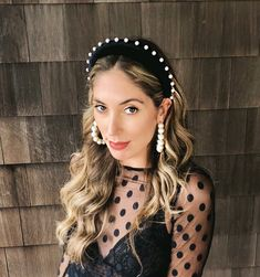 Black Velvet Headband with Pearls Pearl Headband, Crown Headband, Laura Love, Blair Waldorf Headband, Looks Party, Black Velvet, Street Style Trends, Look Chic, Hair Band