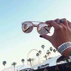 Imagem de summer, sunglasses, and coachella