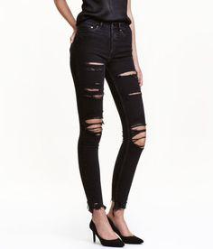 À ne pas manquer ! Jean 5 poches de longueur cheville en denim extensible lavé avec détails fortement usés. Taille haute et jambes très fines. – Rendez-vous sur hm.com pour en savoir plus.
