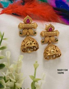 How to buy this Gold Jhumka Earrings, Gold Earrings Designs, Gold Jewellery Design, Antique Earrings, Antique Jewelry, Gold Jewelry, Jhumka Designs, Flower Earrings, Indian Wedding Jewelry