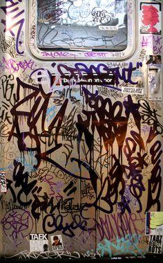 Graffiti Tagging on Subway Door Graffiti Tagging, Graffiti Lettering, Graffiti Writing, Typography, Street Photography, Art Photography, Art Anime, Hip Hop Art, Nyc Subway