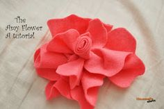 Housewife Eclectic: The Amy Flower- A felt flower tutorial