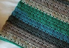 [Free Pattern] No More Weaving Ends In With This Gorgeous Cluster Stripes Baby Blanket Pattern - Knit And Crochet Daily