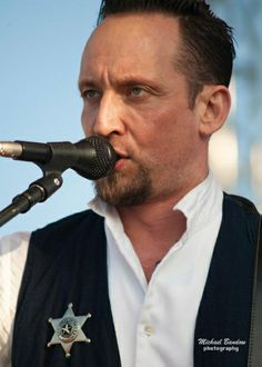 Can't look away from those lips ;)⭐⭐<3  volbeat photo gallery 2014 - Google Search #volbeat #michaelpoulsen #msp