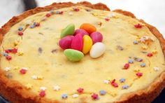 Easter cake with quark (Rahkakakku)