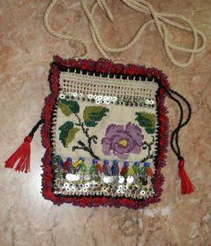 Turkish kese Home Crafts, Diy And Crafts, Drawing Bag, Lavender Bags, Point Lace, Turkish Fashion, Modern Embroidery, Crochet Purses, Recycling