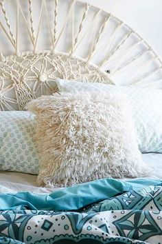 Art + Room Décor - Apartment | Urban Outfitters - Urban Outfitters