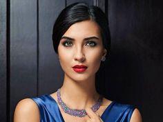 Tuba Büyüküstün - Tuba Büyüküstün Twin Girls, Turkish Actors, Ankara, Maya, Chokers, Beautiful Women, Make Up, Classy, Jewelry