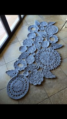 Study In Circles Crochet Motif Table Runner Pattern Crochet Cord, Freeform Crochet, Crochet Motif, Crochet Stitches, Crochet Patterns, Crochet Home Decor, Crochet Crafts, Crochet Projects, Crochet Dollies