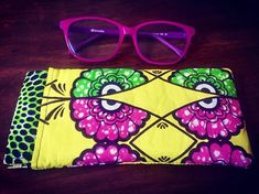 sacsetpacotilles Mirette , étui à lunettes . custom order , nfs. design @patrons_sacotin . . . #accessoires#etui#lunettes#daitmain#diy#couture#fabricaddict#wax#atelier#france🇫🇷