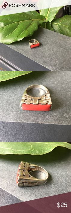Vintage 925 basket weave ring 💍 with red stone ❣️ Beautifully Simplistic 925, vintage sterling silver ring. Silver features a basket weave detailing around stone base. Stone itself is a solid red rectangular bar. Does have some scratching as sign of wear and age. Not certain of size but believe to be 6 or 7. Jewelry Rings