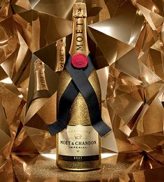 This holiday season, Moët & Chandon dresses champagne bottle in festive finery
