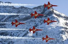 Patrouille Suiise, the swiss airforce aerobatic team