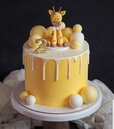 ❤ Beautiful cake for the birthday!😍 – What do you like the most about this cake? Giraffe Birthday Cakes, Giraffe Cakes, Cute Birthday Cakes, Fancy Cakes, Cute Cakes, Mini Cakes, Yummy Cakes, Buttercream Cake, Fondant Cakes