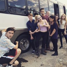Photo: Vehicle Problem In Canada For Dove Cameron, Calum Worthy, Peyton List