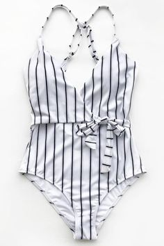 Cupshe Stay Young Stripe One-piece Swimsuit # style # swimsuit # womensfashion – Leben und Stil Summer Bathing Suits, Cute Bathing Suits, Slimming Bathing Suits, Bathing Suit Shorts, Bathing Suits One Piece, Classy Outfits, Cute Outfits, Striped One Piece, Bikini Swimsuit