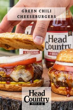 Green Chili Cheese Burgers Chili Cheese Burgers Recipe, Burger Recipes, Grilling Recipes, Bbq Pro, Traeger Bbq, Cheeseburger Recipe, Spicy Sauce, Cooking Instructions, Food Dishes