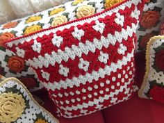 Pillow and Pattern  Lovely for xmas!!!!...Kerry