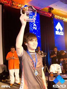 Singapore Gamer Xian Wins Super Street Fighter 4 Evo 2013 Tournament