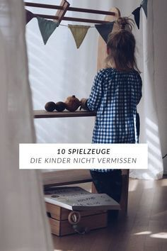 Minimalismus mit Kindern oder Wie viel Spielzeug ist zu viel Spielzeug 10 toys that children certainly do not miss or How much toys is actually too much toys ? Montessori Baby, Baby Kind, Baby Love, Terrace Decor, 5 Kids, Toy Rooms, Baby Room Decor, Decorating Blogs, Family Life