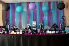 vertical hanging sheers, tulle, plastic table cloths