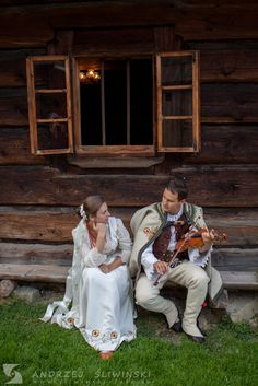 Wedding session in regional costumes. / Sesja plenerowa w strojach regionalnych.