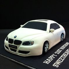 Fondant 3D BMW Automobiles Send cake online with click to loved in Kuala Lumpur, Johor Bahru and Penang.