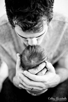 Daddy's Kiss ~ <3 ~ Parker Douglas {Newborn} » Colby Elizabeth Photography {Blog} #newbornphotography
