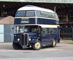 East Yorkshire Bus AEC Regent V - 644