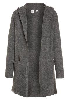 ¡Consigue este tipo de chaqueta de punto de Gap ahora! Haz clic para ver los detalles. Envíos gratis a toda España. GAP GIRLS HOOD CARDI Chaqueta de punto grey heather: GAP GIRLS HOOD CARDI Chaqueta de punto grey heather Ropa     Material exterior: 38% nylon, 36% poliacrílico, 18% lana, 5% alpaca, 3% elastano   Ropa ¡Haz tu pedido   y disfruta de gastos de enví-o gratuitos! (chaqueta de punto, wool-blend, tweed, knit, rebeca, rebecas, rebequitas, lana, strickjacke, chamarra tejida, vest...