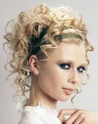 Risultati immagini per acconciature matrimonio ricci capelli