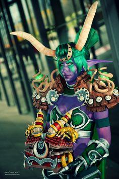 Liz Maree cosplay
