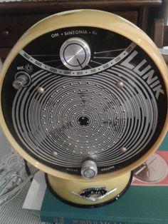Vintage Records, Vintage Tv, Vintage Cameras, Vintage Market, Retro Radios, Antique Radio, Transistor Radio, Record Players, Retro Futuristic