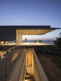 House H | Felipe Assadi Arquitectos #chile #Concrete #FelipeAssadiArquitectos #FernandoAlda #HouseH #Structure #Wood #Zapallar