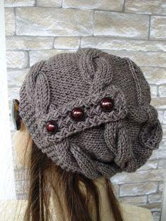 Bonnet tricoté à la main-chapeau d'hiver - Femmes chapeau  chapeau Accessoires avoine d'hiver beige Fashion Cadeau Saint-Valentin par Ebruk sur Etsy https://www.etsy.com/fr/listing/192756306/bonnet-tricote-a-la-main-chapeau-dhiver