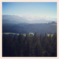 #bowil #chuderhüsi #emmental #relax #berge #mountains #sight #view #vista #alpen #alps #hügel #green #nature - @eevchen