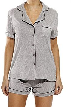 Christian Siriano New York Shorts Set with Notch Collar at Amazon Women's Clothing store: