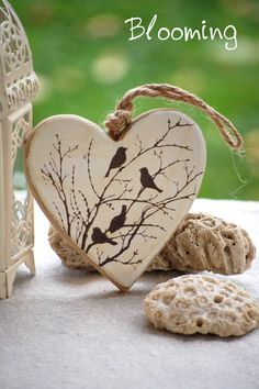 1 million+ Stunning Free Images to Use Anywhere Heart Crafts, Rock Crafts, Clay Crafts, Crafts To Make, Wood Burning Crafts, Wood Burning Patterns, Wood Burning Art, Valentine Day Crafts, Valentine Decorations