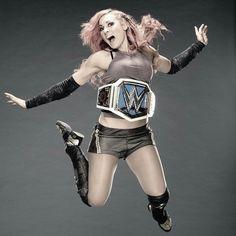 Becky Lynch New WWE SD Women's Champion