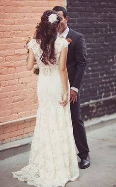 lace wedding dress. Super cute! 40 all the way! bird cage veil.. YES PLEASE!!