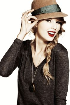 I love Taylor Swift's style because it's the perfect mix of girly, vintage, and classic.