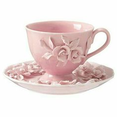 Perfect pink tea cup and saucer. Teapots And Cups, China Tea Cups, My Cup Of Tea, Perfect Pink, Chocolate Pots, Tea Cup Saucer, Cookies Et Biscuits, Tea Time, Shabby Chic