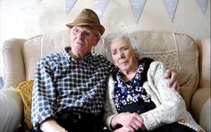 Aos 9 anos, Thomas conheceu Irene. Foi amor à primeira vista – e que já dura 84 anos! Neste mês, o casal celebrou 70 anos de casamento. E deu suas dicas para uma união duradoura.