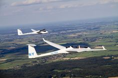 To glide, the real way of flying. Gliders, Helicopters, Spacecraft, Airplanes, Airplane View, Sailing, Aviation, Aircraft, Wings