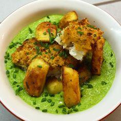 #Merluzzo in crosta con patate al rosmarino e crema di #piselli al basilico