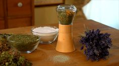 Bylinková sůl — Recepty — Kouzelné bylinky — Česká televize Pepper Grinder, Stuffed Peppers, Aromatherapy, Stuffed Pepper, Stuffed Sweet Peppers