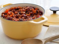 Get Three Bean and Beef Chili Recipe from Food Network. Subbed one can of beans for corn, added one tbs chili powder, and added diced zucchini. This will be my go-to chili recipe! Dutch Oven Recipes, Cooking Recipes, Healthy Recipes, Healthy Chili, Chili Food, Veggie Chili, Cooking Food, Healthy Meals, Cooking Beef