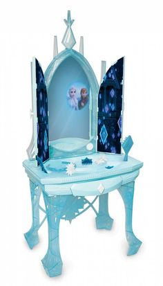 Celebrate the story of Elsa with this Disney's Frozen 2 Elsa's Enchanted Ice Vanity. Frozen Songs, Elsa Frozen, Film Frozen, Frozen Stuff, Frozen Dress, Disney Crossovers, Princess Bubblegum, Toys For Girls, Kids Toys