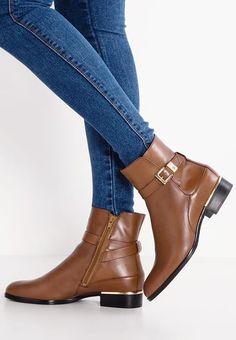 Chaussures Högl Bottines - caffee cognac: 219,00 € chez Zalando (au 06/01/17). Livraison et retours gratuits et service client gratuit au 0800 915 207. Service Client, Court Shoes, Ankle, Lady, Boots, Fashion, Zapatos, Ankle Boots, Shoe